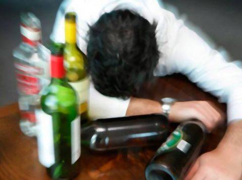 Как снять агрессию у алкоголика в запое