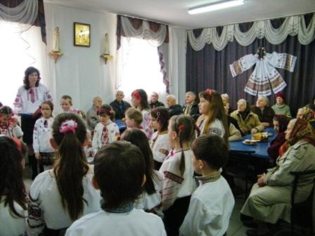 Відбулося свято гаївок у Золочівському районному територіальному центрі соціального обслуговування