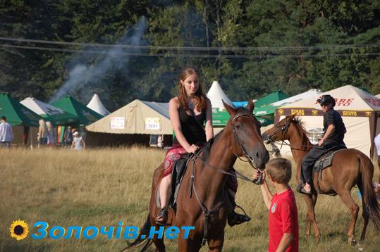 Добиратись до фестивального поля «Підкамінь-2013» відтепер буде легше!