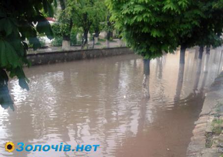 Потоп по-золочівськи (відео)