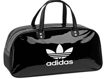 «Брендові» сумки Adidas шили в підпільному цеху
