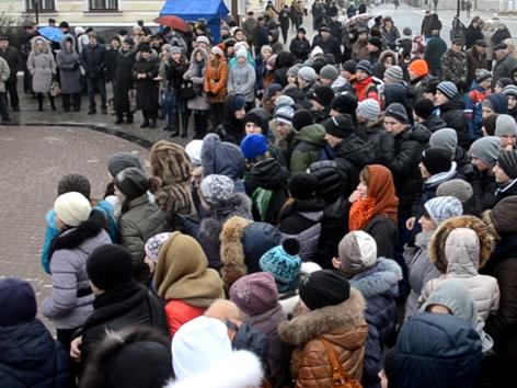 На Золочівському Євромайдані закликали їхати у Київ (відео)