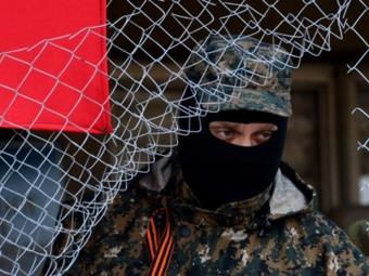 На Донбасі російські терористи влаштовують публічні страти