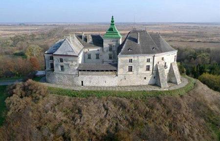 Фото Олеського замку