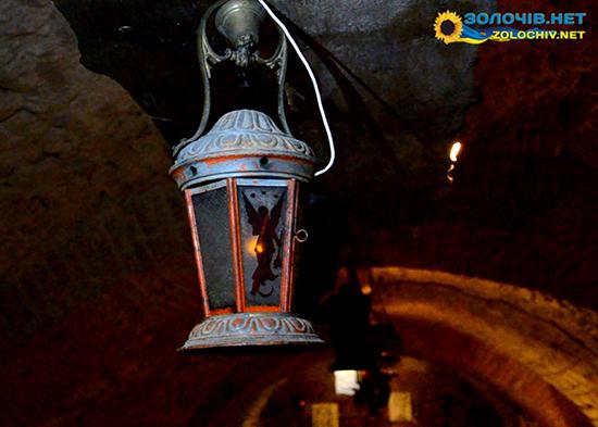 Ліхтарі у підземеллях Золочівського замку (відео)