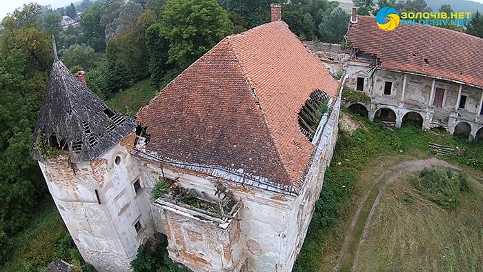 Поморянський замок з висоти пташиного польоту