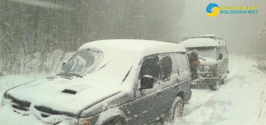 Перший сніг приніс радість малечі та клопіт водіям і дорожнім службам