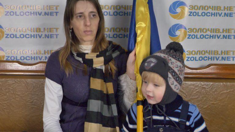 Вільний мікрофон: жінка з дитиною може залишитися на вулиці?