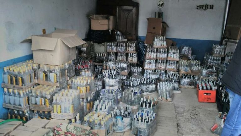 На Львівщині СБУ блокувала масштабне виготовлення алкофальсифікату