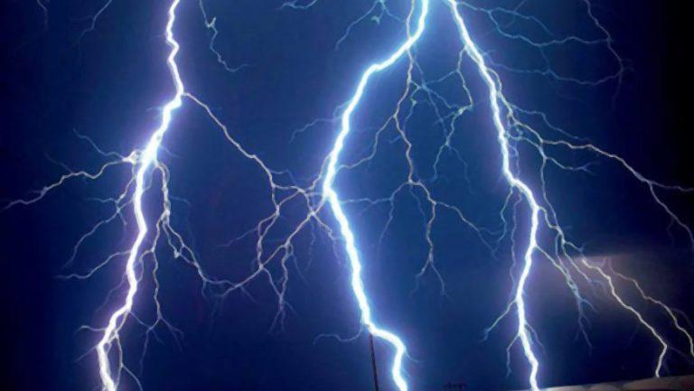 На Львівщині жінку вбила блискавка
