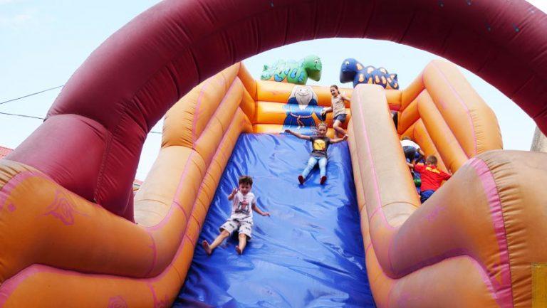 Запрошують діток на атракціони у Золочеві