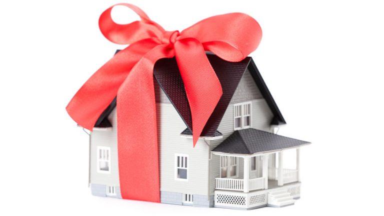 Добродій купив будинок багатодітній сім'ї на Золочівщині