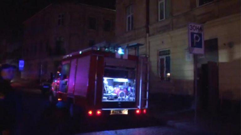 У Львові виникла пожежа у закладі швидкого харчування