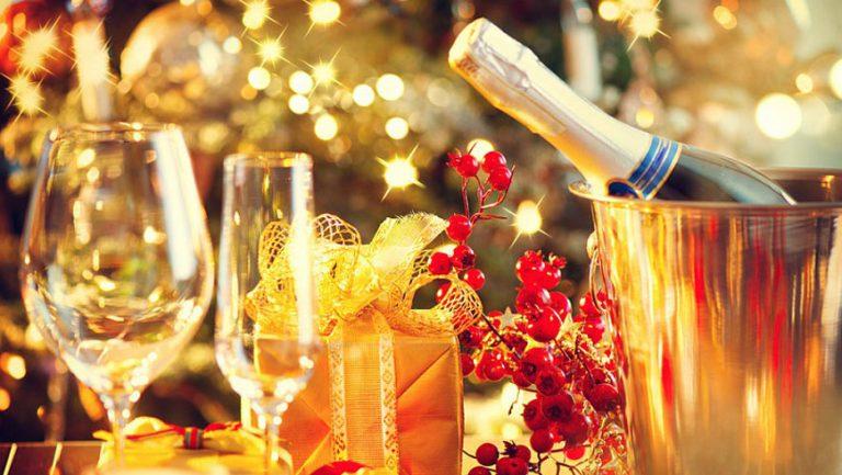 """Ресторан """"Равелін"""" запрошує на святкування новорічних корпоративів"""
