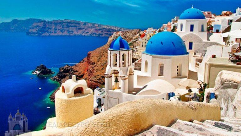 Оксамитовий сезон на березі Егейського моря у Греції