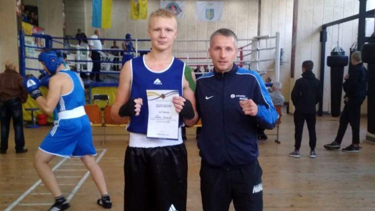 Золочів'янин Олександр Богдан став Чемпіоном області з боксу