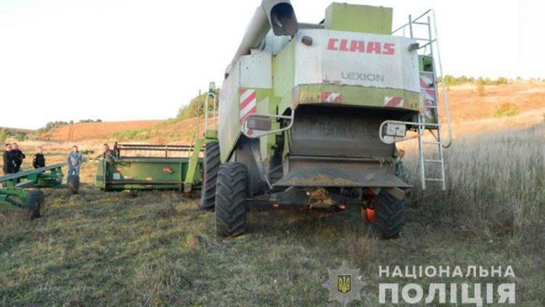 Під колесами комбайну на Зборівщині загинув житель смт. Поморяни (відео)