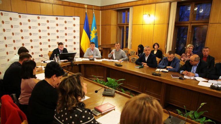 Львівська ОДА розриває угоди з підрядниками, які будують 10 медамбулаторій