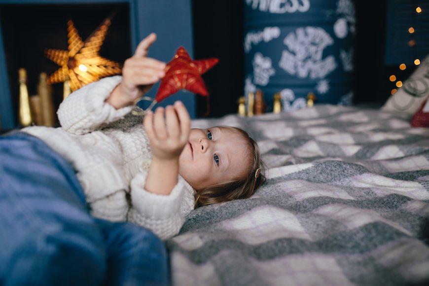 Новорічні свята на порозі – саме час для сімейної фотосесії вдома