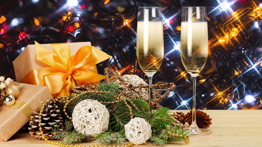 """Ресторан """"Равелін"""" Золочівського замку запрошує на святкування корпоративів та зустріч Нового року"""