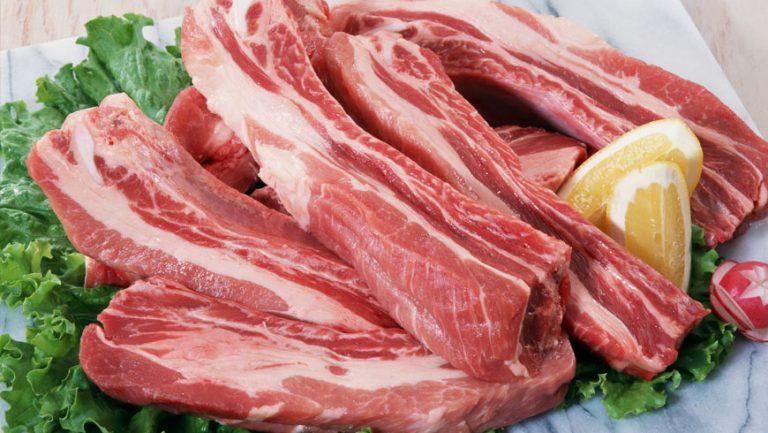 Продається свинина чвертками
