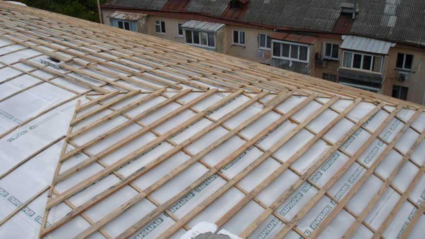 Як обрати гідробар'єр для даху