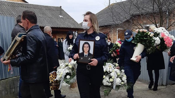 У Буському районі померла поліцейська