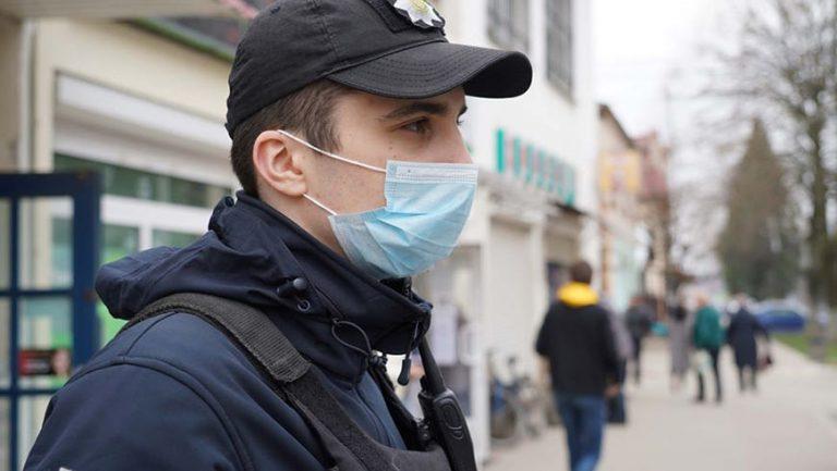 На Львівщині поліцейські склали чотири адмінпротоколи за розповсюдження фейків про коронавірус