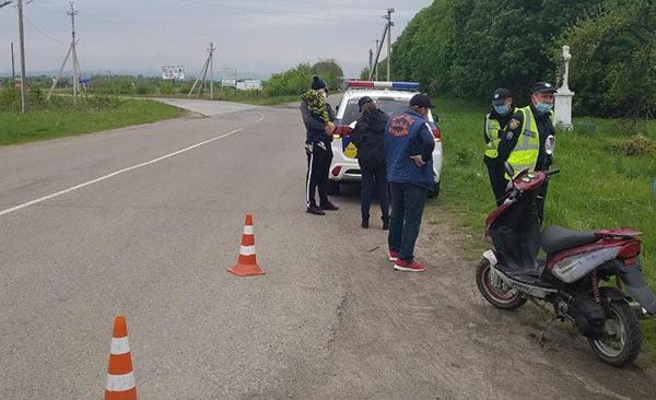 На Львівщині за спробу дати хабар поліцейським слідчі відкрили кримінальне провадження