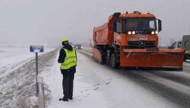 Негода: Служба автомобільних доріг вводить обмеження руху вантажівок на дорогах державного значення Львівщини