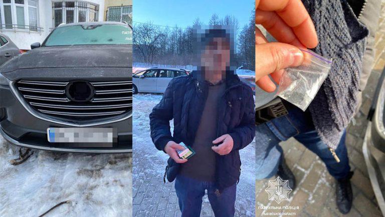 Патрульні затримали на гарячому ймовірних крадіїв з автомобіля, один з них закопав себе у снігу
