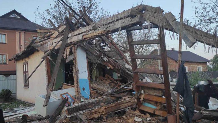 У Золочівському районі в житловому будинку стався вибух газу (відео)