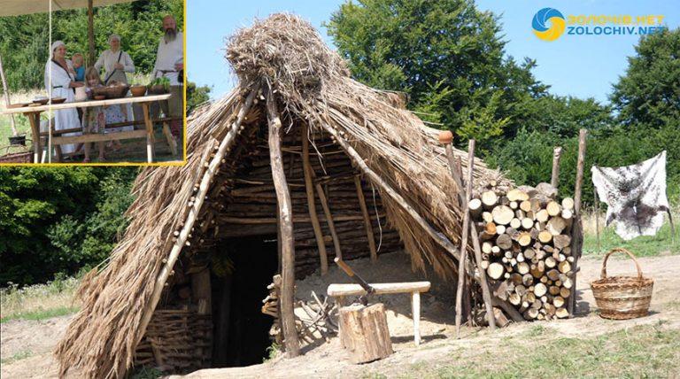 У Золочівському районі, на Пліснеську, збудували хату X століття (відео)